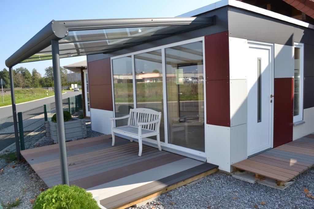 ausstellung-verl-modernes saunahaus mit trespafassade