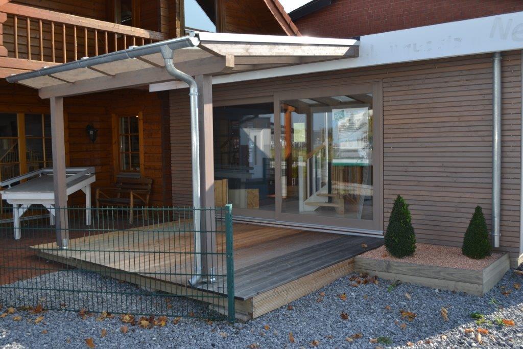 ausstellung-verl-terrassen dach aus holz mit holzdeck 005
