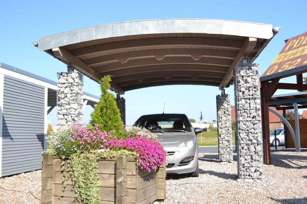 ausstellung-verl-tonndachcarport mit stahlsaeulen