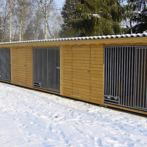 Hundezwinger in Schloß-Holte
