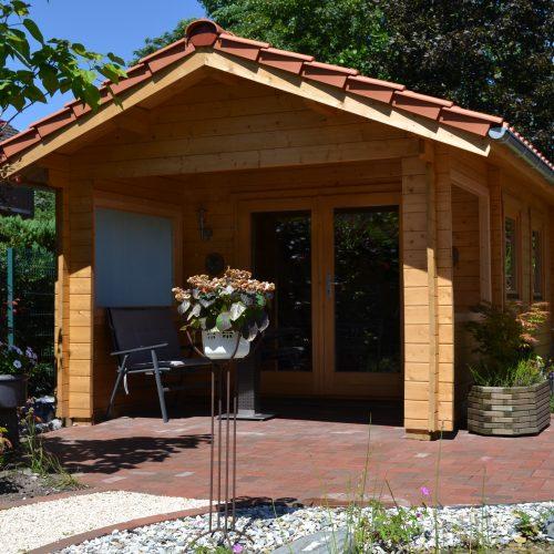 Gartenhaus aus 45mm BB und Freisitz in Verl