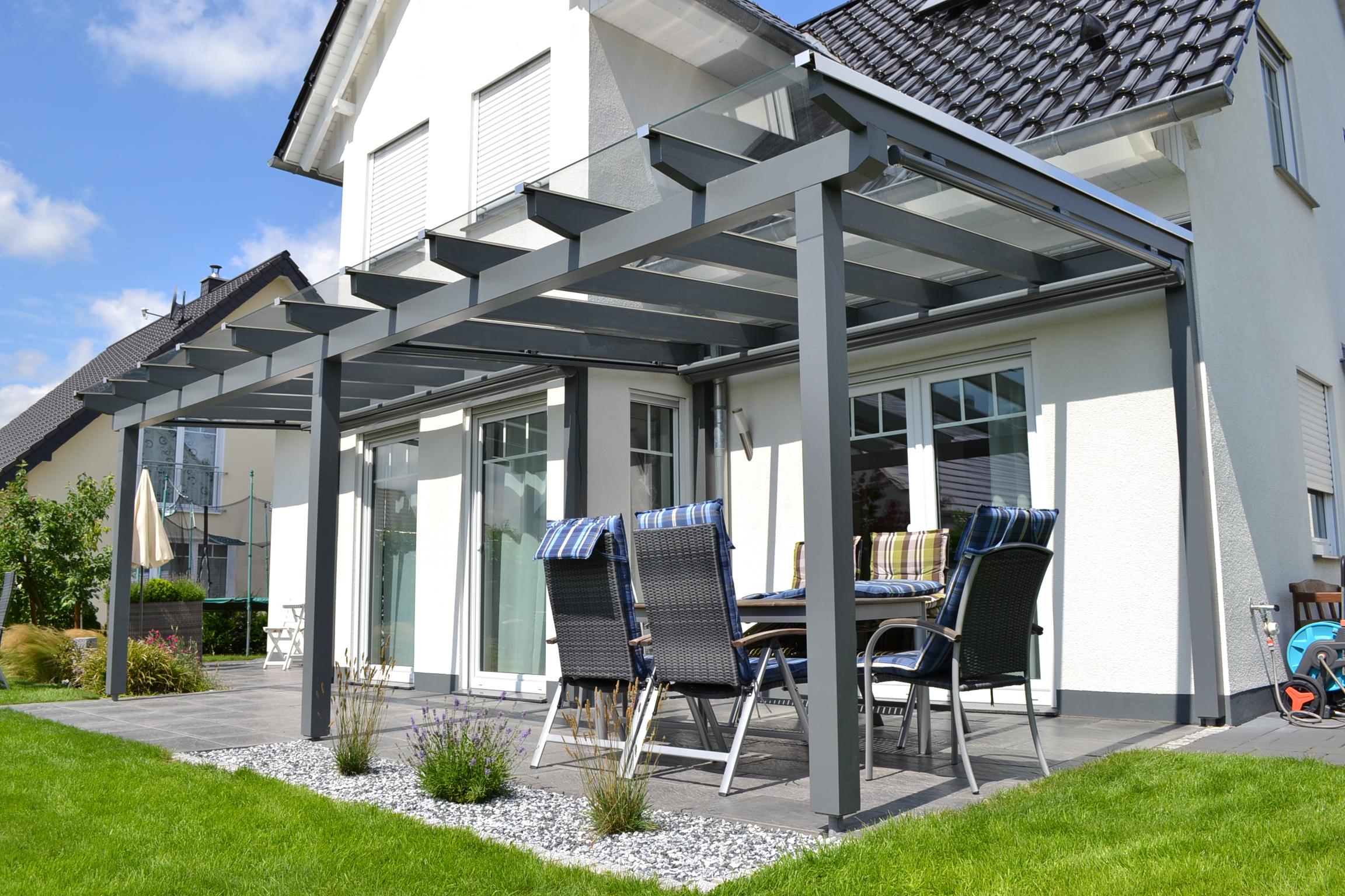 terrassen berdachung aus holz mit beschattung pollmeier holzbau gmbh. Black Bedroom Furniture Sets. Home Design Ideas