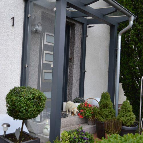 Haustürvordach aus Holz in Hamm