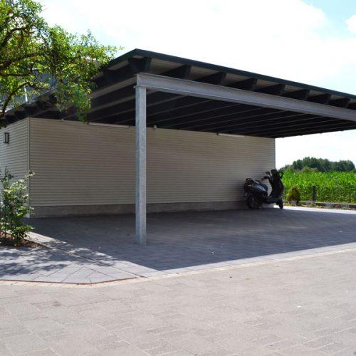 Flachdachcarport mit Abstellräumen für 3 Fahrzeuge in Neuenkirchen