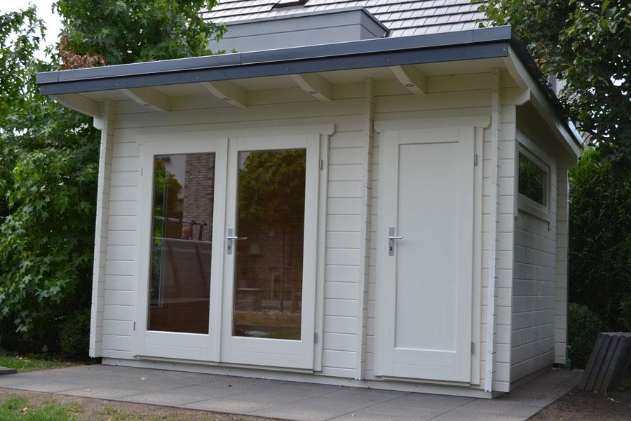 gartenhaus aus 45 mm blockbohlen mit pultdach und. Black Bedroom Furniture Sets. Home Design Ideas
