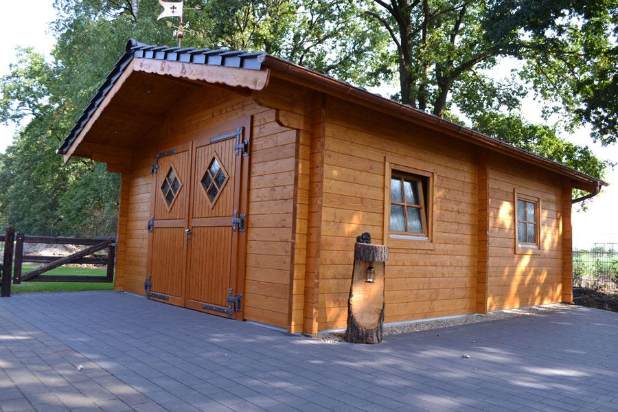 gartenhaus aus 70 mm blockbohlen in delbr ck pollmeier holzbau gmbh. Black Bedroom Furniture Sets. Home Design Ideas