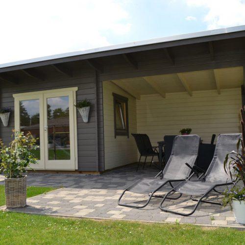 Pultdach Gartenhaus mit Freisitz in Rietberg