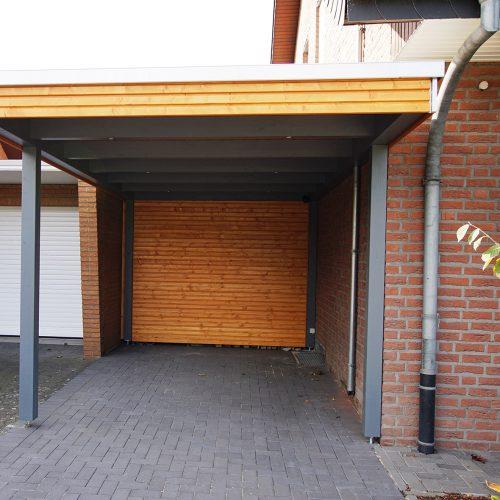 Flachdachcarport mit Abstellraum und Rhombusprofil in Westerwiehe
