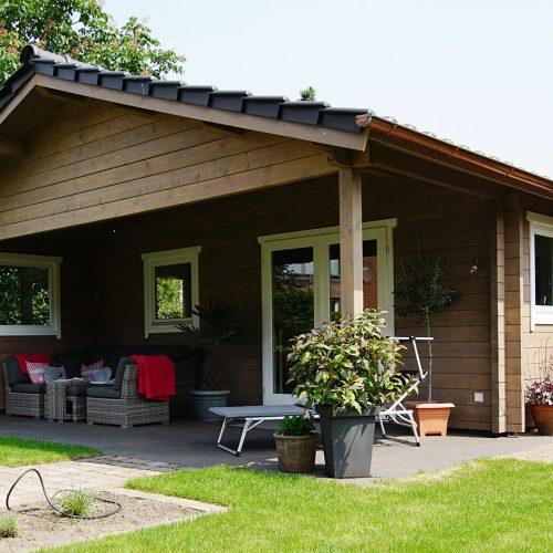 Gartenhaus mit Sauna aus 70mm BB in Schloß Holte